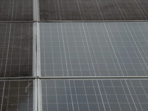 voor en na zonnepanelen schoonmaken cleanwash groningen 2